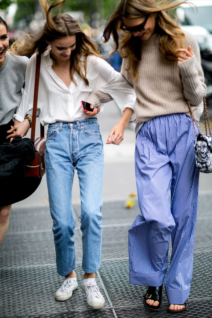 90s street style jeans
