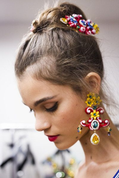 dolce and gabbana fashion earring