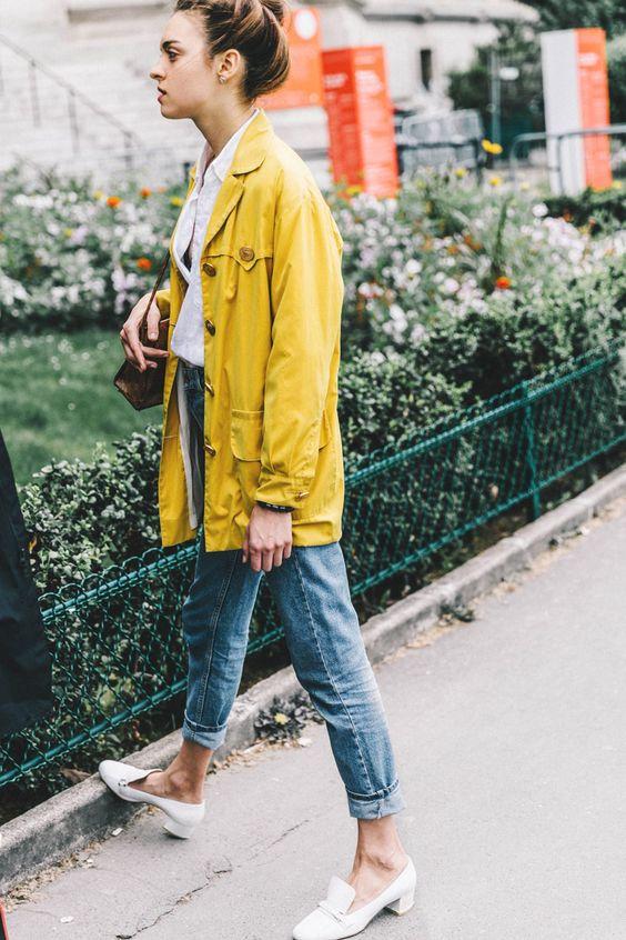 street style yellow coat