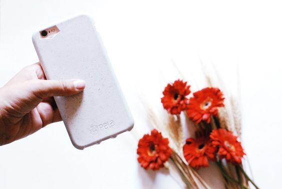 sustainable smartphone case pela